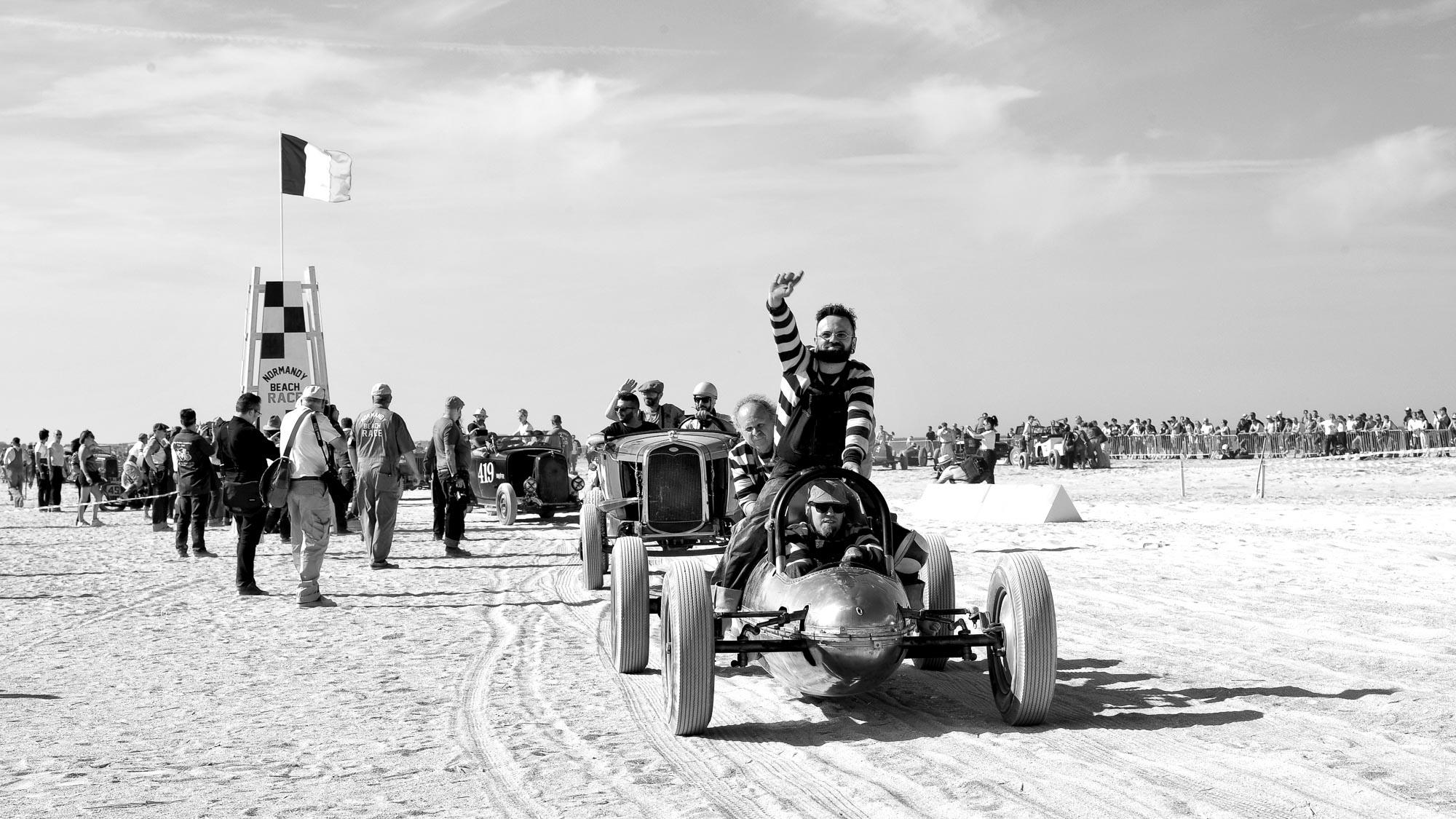 SLR_3751 parade